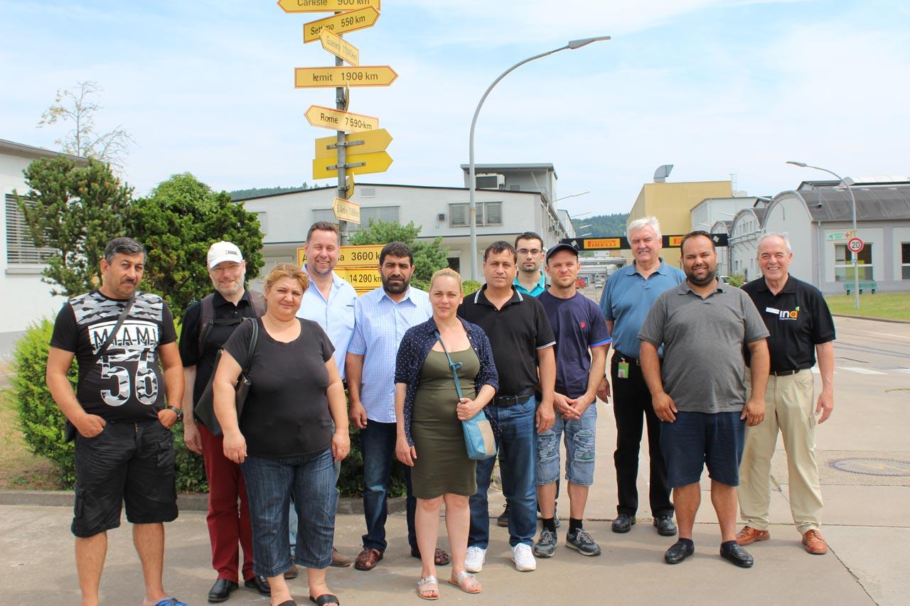 """""""MInA""""- Teilnehmer besuchen gemeinsam mit den Maßnahmencoachs die Pirelli Deutschland GmbH in Breuberg"""